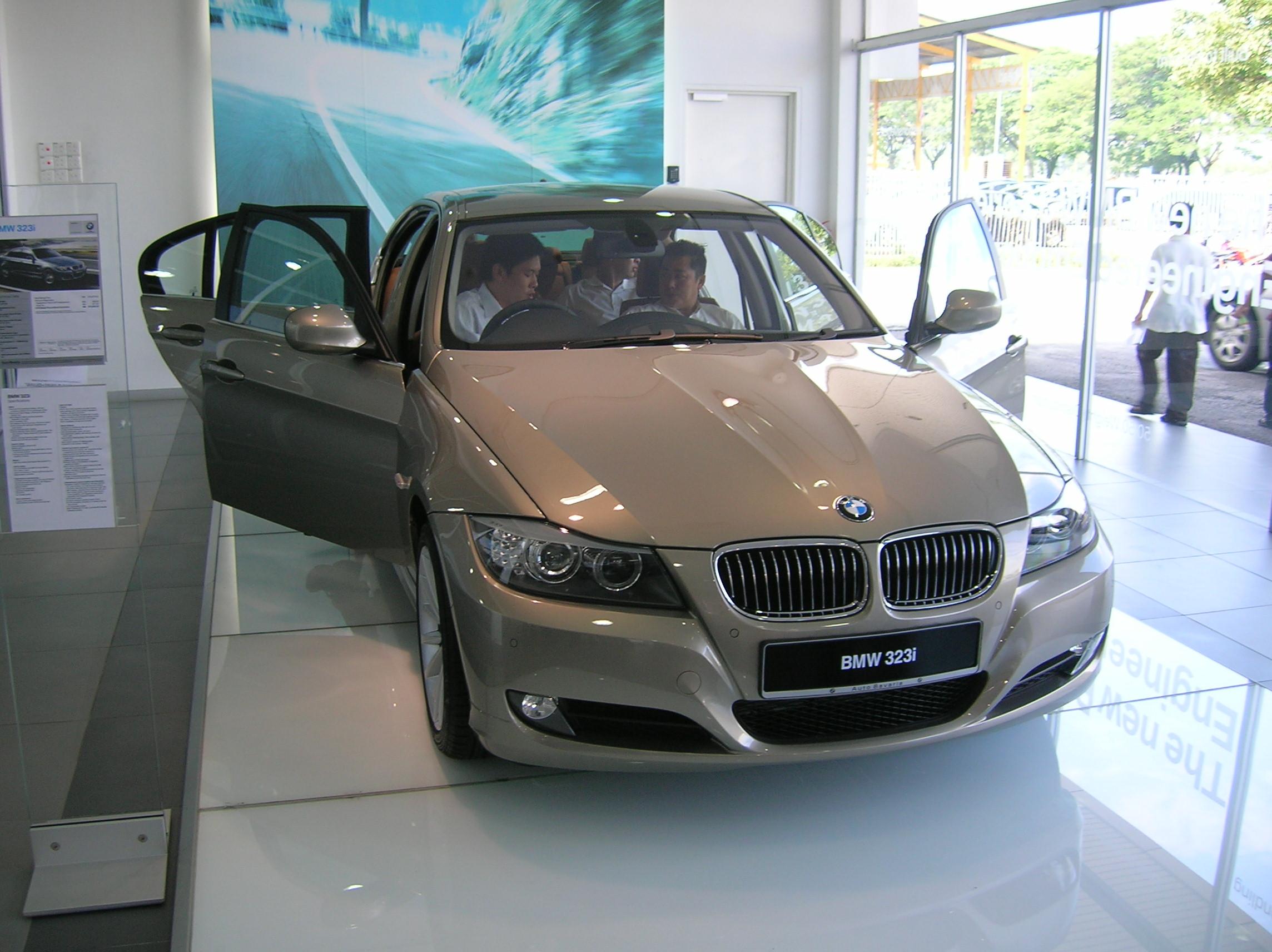 The BMW 323i