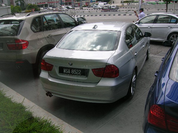 BMW 323i - Yours for RM276k