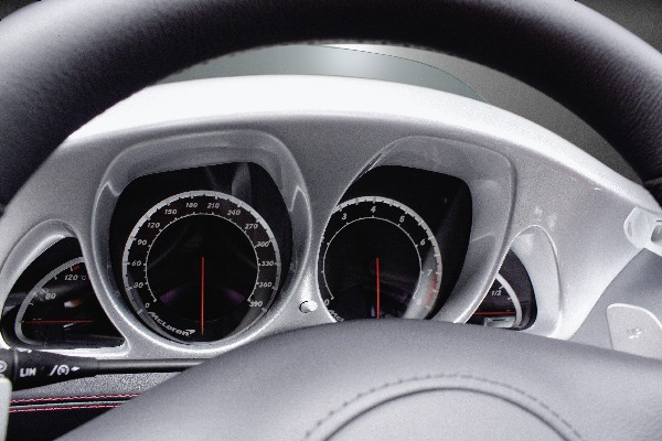 Speedo reads to 390kph. Stirling Moss does 'only' 350.