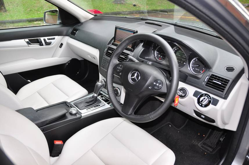 Mercedes-Benz C250 CGI – More Muscle for the C Class - Autoworld com my