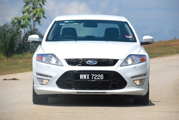 Ford Mondeo EcoBoost - 240PS version reviewed - Autoworld com my