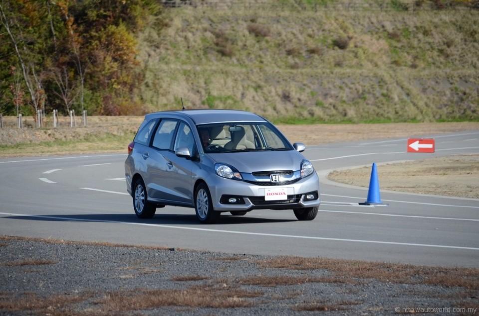 Honda Showcases Honda Mobilio Prototype Mpv For Asian Markets