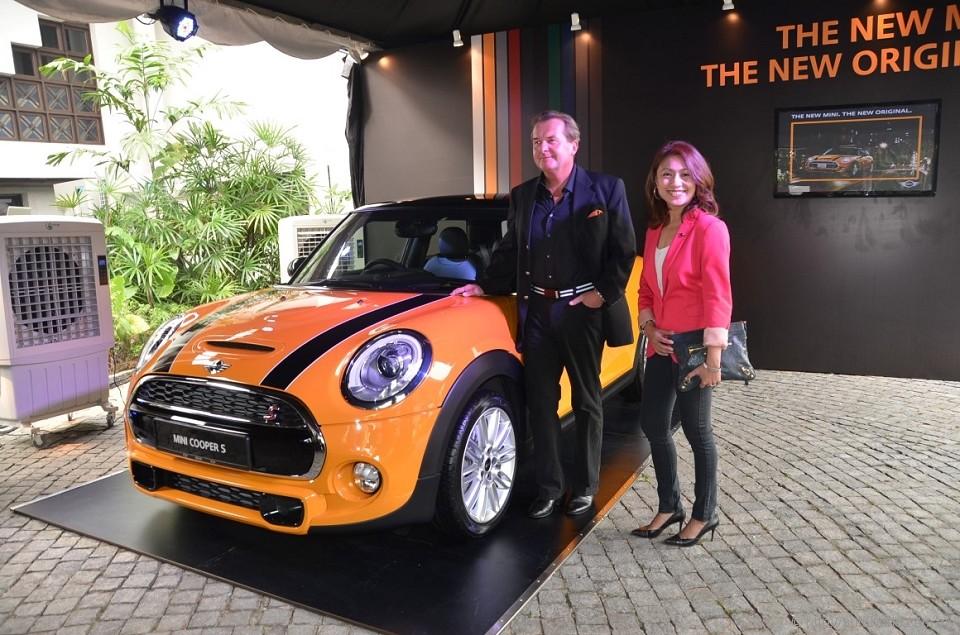 All New Mini Cooper Is Bigger And Faster Autoworld Com My