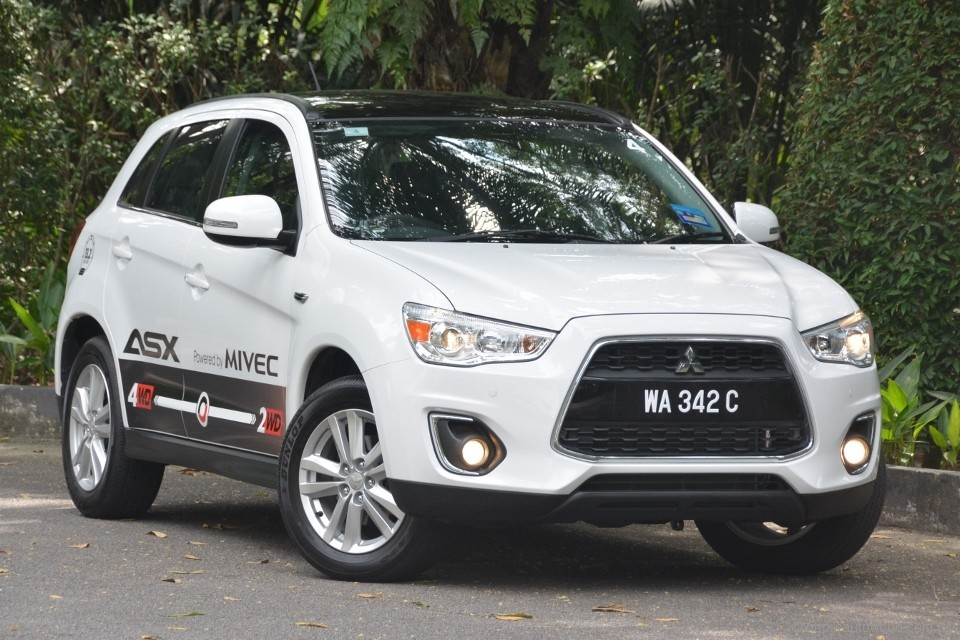 2014 mitsubishi asx ckd test drive review. Black Bedroom Furniture Sets. Home Design Ideas