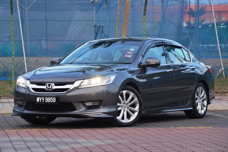 Honda Accord 24 VTi L Test Drive Review