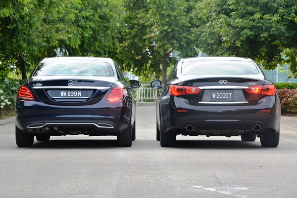 Mercedes-Benz C 200 vs Infiniti Q50 Turbo - Autoworld com my