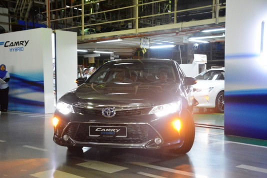 Toyota Camry Hybrid CKD roll-out from ASSB, Shah Alam