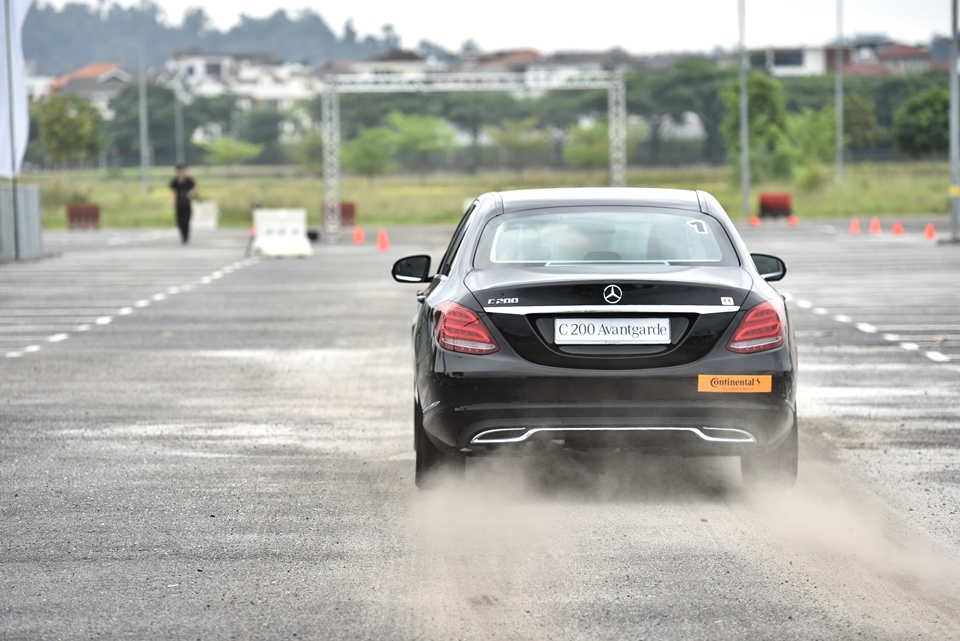 Mercedes benz c class ckd officially available in malaysia for Mercedes benz driving experience