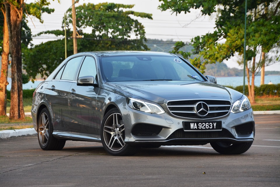 Mercedes benz e 300 bluetec hybrid one tank of diesel for Diesel mercedes benz