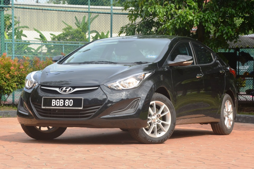 2015 hyundai elantra 1 6 test drive review. Black Bedroom Furniture Sets. Home Design Ideas