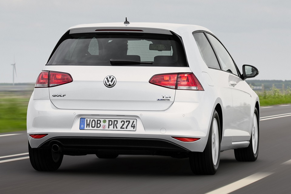 new volkswagen golf 1 0 tsi rolls out in europe. Black Bedroom Furniture Sets. Home Design Ideas